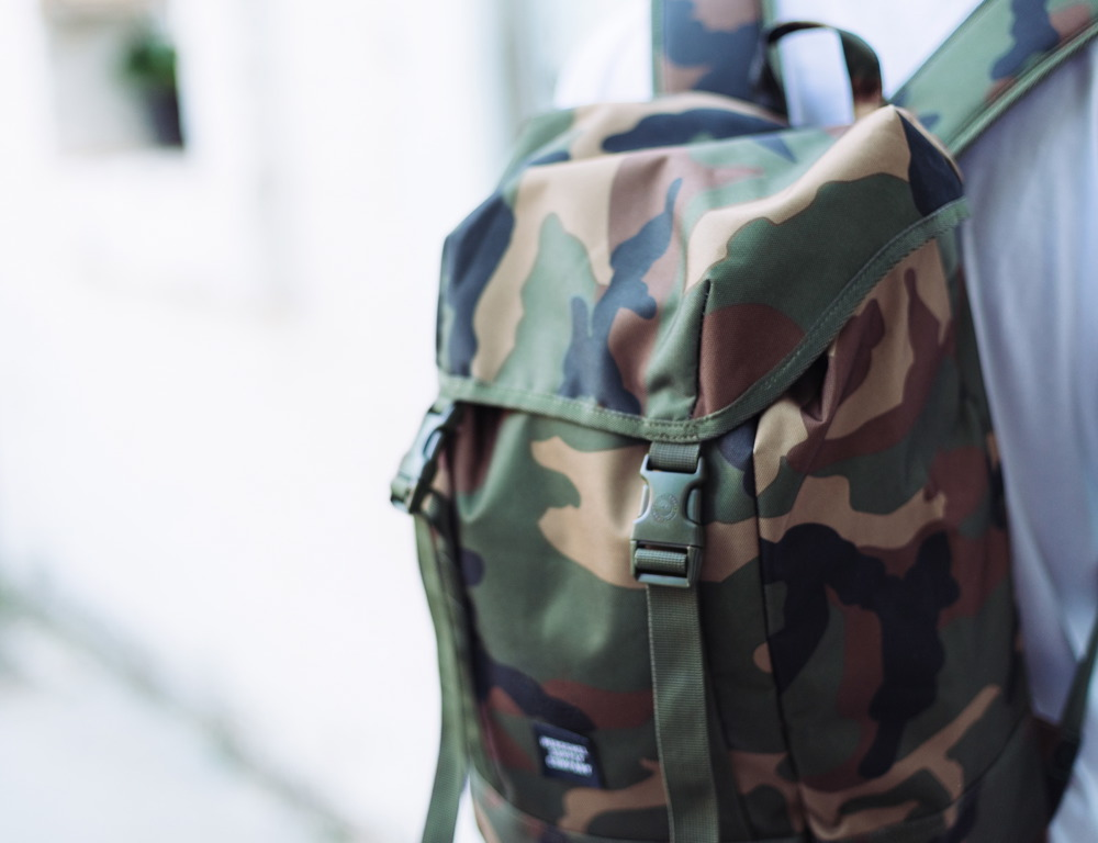 Herschel-IONA-BACKPACK-WOODLAND-CAMO